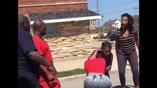 Hood fights (Girl fight) New) Girl Wants A Round After Girl Gets Beat 2018