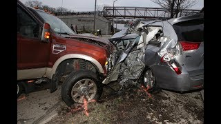EPIC PICKUP TRUCK CRASH COMPILATION JANUARY 2018