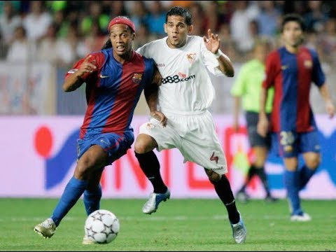 Ronaldinho vs Seville 2006-2007 Away