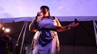 "Martha Wash performs ""Everybody, Everybody"" Live"