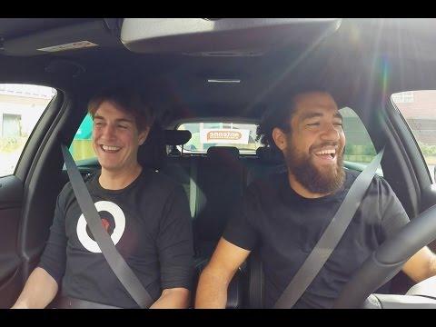 Matze Knop beim Carpool-Karaoke mit dem Schollmayer