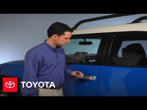 2007 - 2009 FJ Cruiser How-To: Remote Keyless Entry - Unlocking Doors | Toyota