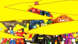 SUPERHERO & SUPERVILLAIN GUESS WHO with BATMAN spiderman toys, iron man toys, hulk toys superhero t