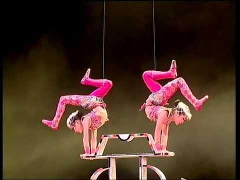 Chinese Acrobatics Show 1