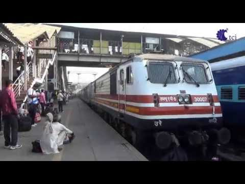 Gatiman Express TREN DELHI AGRA 2016 INDIA