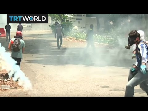 Venezuela On the Edge: Police officer and protester killed in protests