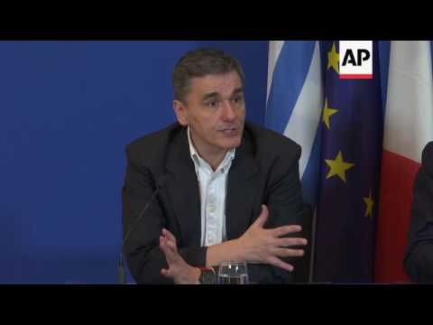French, Greek finance ministers meet in Paris