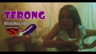 SENGGOL TROMOL - TERONG (Official Music Video) #trilogi