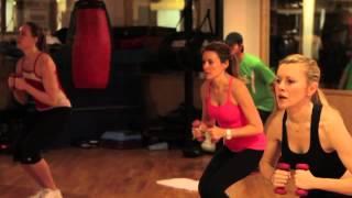 Trening na plaski brzuch I jedrne posladki z Sylwia Wisenberg Tonique Fitness Thumbnail