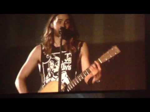 Jared Leto Sings Alibi To Cute Child - Little Ivy - 30 Seconds To Mars Nottingham 21 November 2013
