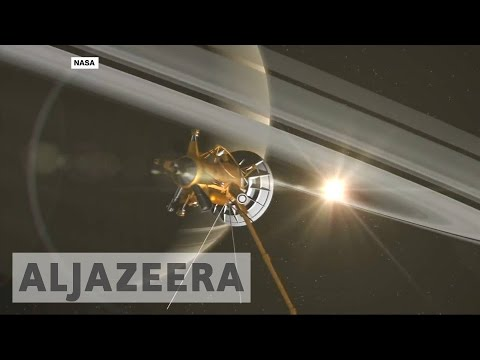 Space probe Cassini flies inside Saturn's rings