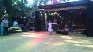 Чеченская свадьба в Москве Айна  поет