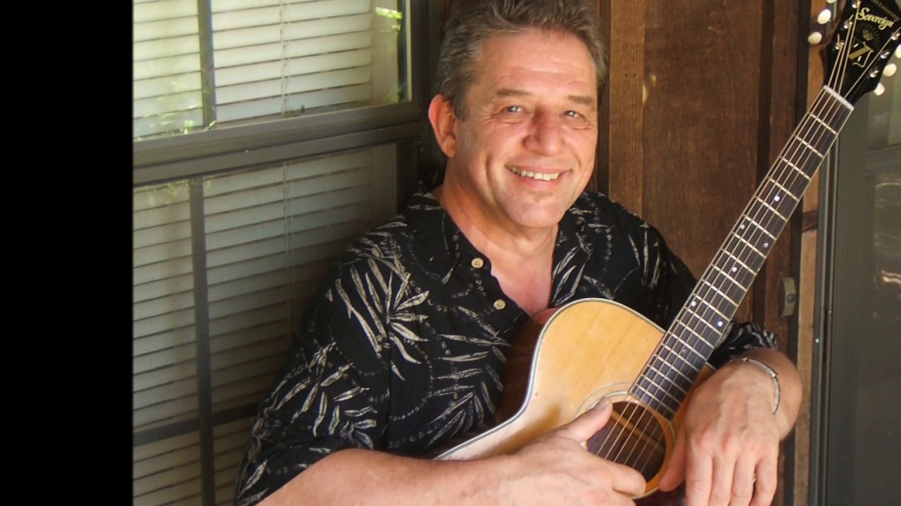 Gerry Moss | Guitar, Acoustic/Electric, Vocalist, Solo