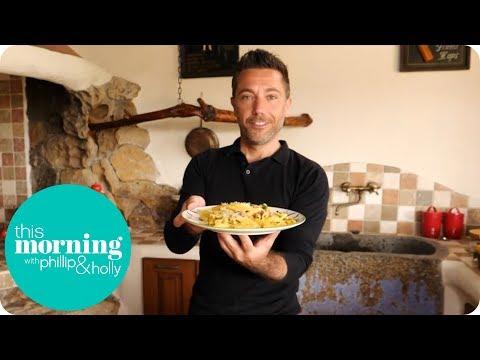 Gino Cooks His