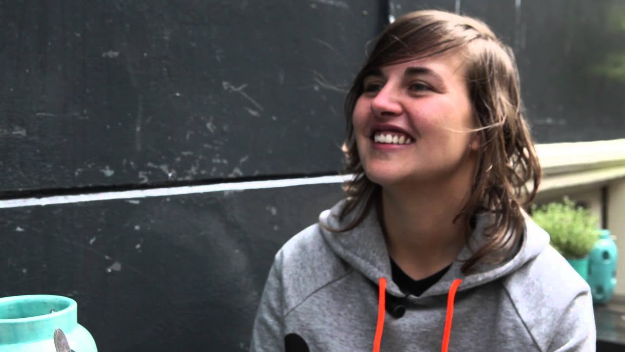 DJ Sandrien (Sandrien van Rossum) - DJ Mag NL - YouTube