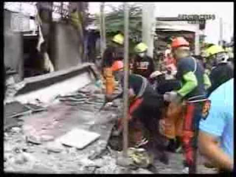 ▶ Deadly Philippine Earthquake Hits Bohol and Cebu  At least 89 Dead  Live Footage )