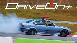 Drift de BMW 325i E36 - DriveOnBoard Mega Space