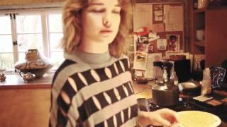 Наталья Водянова делится рецептом полезных блинов.mp4