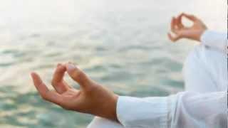 ► Йога для начинающих. Красивое Видео о Йоге!(Йога -- это древнее санскритское слово, означающее метод работы с телом, дыханием и сознанием. Выполняя..., 2012-07-05T09:03:42.000Z)