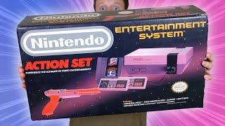 Unboxing a Nintendo Entertąinment System NES in 2020