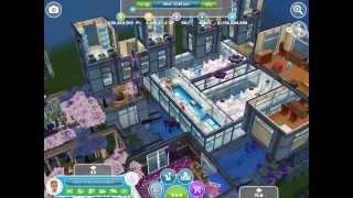 Sims Freeplay || Glitchy Town House / Building/ Balcony