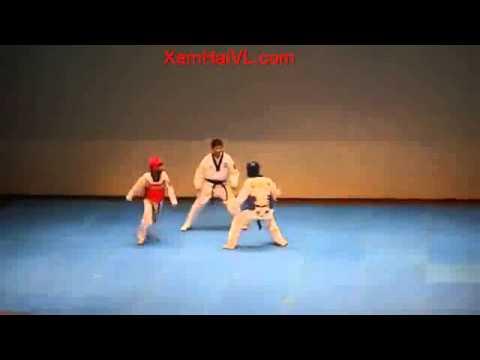 Chết cười với 2 thằng võ sĩ Taekwondo này