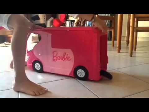 chat de ken en vir e avec le camion de barbie youtube. Black Bedroom Furniture Sets. Home Design Ideas