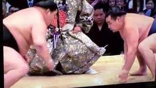 YouTube Captureから 平成26年 九州場所 大関VS横綱 優勝を左右する一戦...