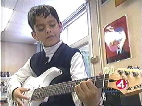 Carlos Santana's Milagro Foundation makes guitar donation to Little Kids Rock - News 4 San Francisco