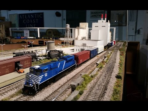 HO Scale Model Train Layout at Gold Coast Railroad Museum