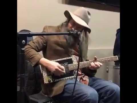 Download Lazer Lloyd Fires Up Morgan's Garage Guitars