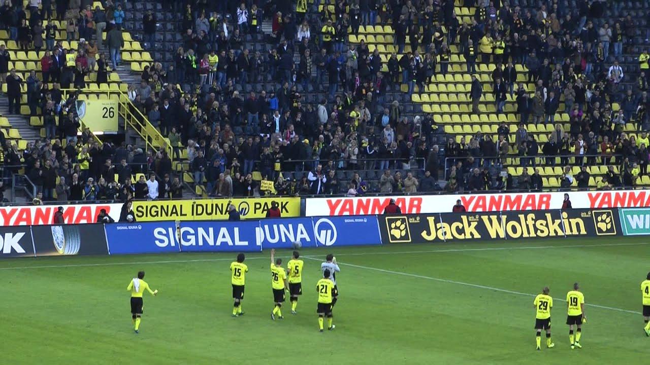 Dortmund - Köln 5-0 22.10.2011 Stimmung nach dem Spiel Borussia Dortmund - Kevin Großkreuz BVB