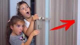 Камиль Нашел ТАЙНУЮ КОМНАТУ! Что СКРЫВАЕТСЯ за Дверью? Для Детей kids children