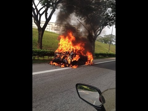 Singapore - A car caught fire along KPE