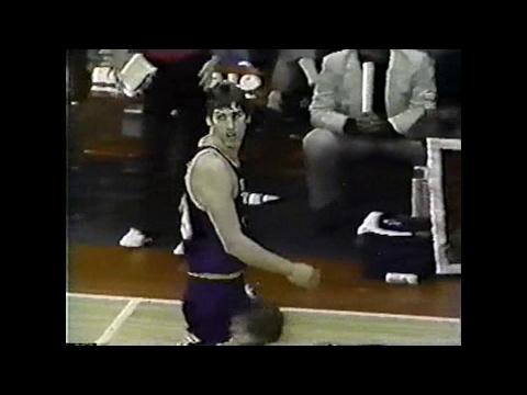 Steve Stipanovich (16pts/4asts) vs. Bulls (1985)