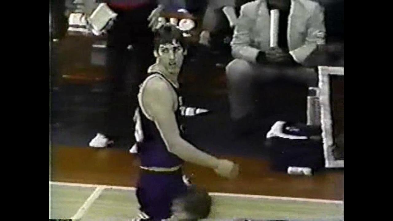 Steve Stipanovich 16pts 4asts vs Bulls 1985