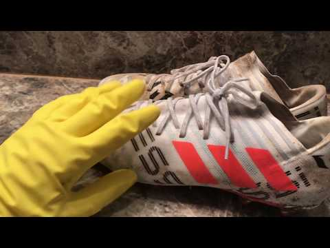 How To Clean Cleats (In A Washing Machine)