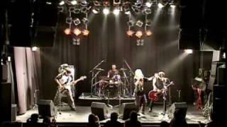 http://moonie.shiriagari.com/ 2009.3.7福岡BEAT STATIONでのライブ.