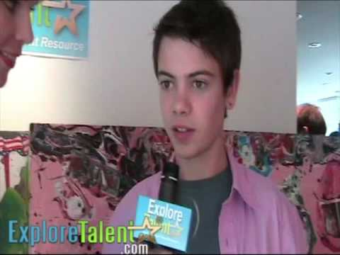 Weeds Actor  With Alexander Gould  MTV Movie Awards 2009