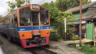 2019.2.1(金)8:22 タイ国鉄メークローン線(東線)バーンナムジュードゥ駅(列車交換風景)