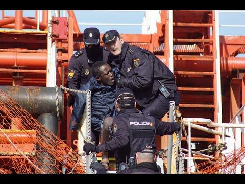 El desembarco de polizones del petrolero atracado en Vigo