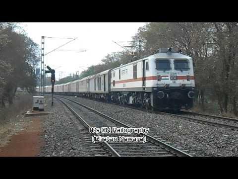 22123 Pune 🔁 Ajni (Nagpur)SF AC Express