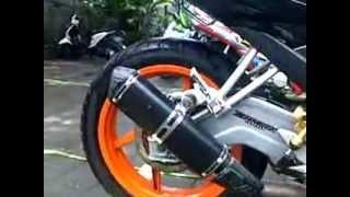 Repeat youtube video Supra X 100cc vs Yamaha V-ixion 150i Sound Test...!!!!