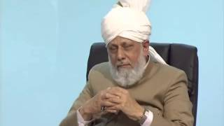 Huzoor's (may Allah be his Helper)'s advice to a Waqifa about her education?
