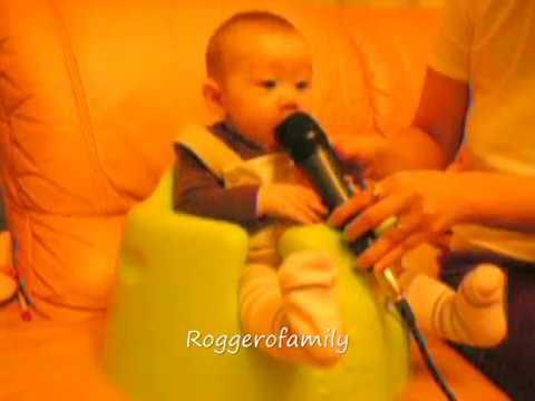 6 tháng tuổi đã biết hát karaoke với mẹ :-) - Camilla ThyThy