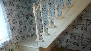 видео Деревянные межэтажные лестницы в частном доме, их элементы и комплектующие