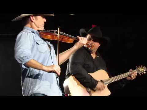 Garth - Amarillo By Morning - Des Moines