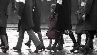 La liste de Schindler  La petite fille au manteau rouge