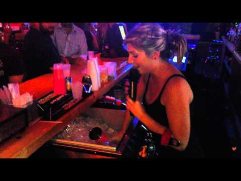 Bill Reed - Watch this bartender multi-task like no other!
