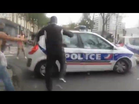 Muslim Riots in France take down the Police entering a no-go Zone